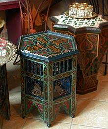 Orientalische Beistelltische marrakech interieur orientalische beistelltische komplett bemalt